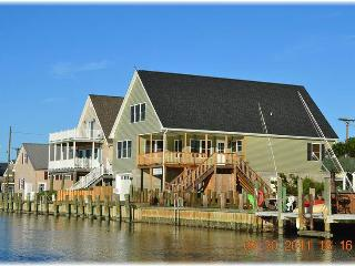 Bright 3 bedroom Chincoteague Island House with Internet Access - Chincoteague Island vacation rentals