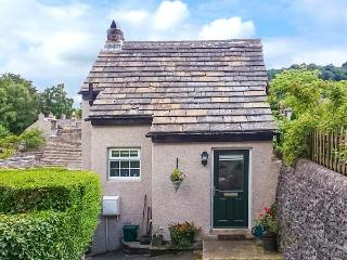 FOXGLOVE COTTAGE, romantic cottage, woodburner, mezzanine sitting area, in Calver, Ref. 28963 - Calver vacation rentals