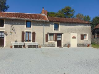 3 bedroom Gite with Internet Access in Magnac-Laval - Magnac-Laval vacation rentals