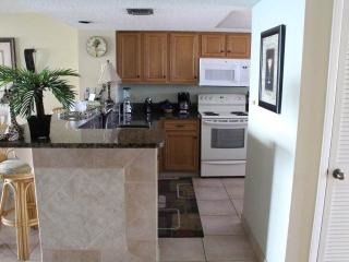 Gorgeous 2 bedroom House in Miramar Beach - Miramar Beach vacation rentals