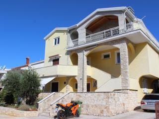 Balac B4+2 - Porec vacation rentals