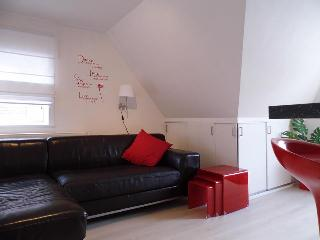 CASTEL MARETAK  Gezellig appartement WIFI/PARKING - Sint-Idesbald vacation rentals