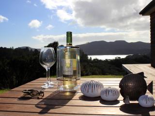 Special King bedroom, Waitapu sea views, superb - Whangaroa vacation rentals