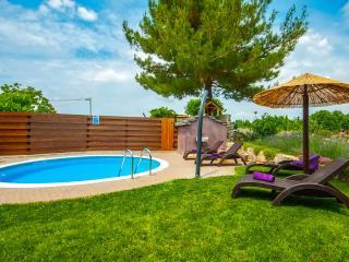 Nice 2 bedroom Villa in Baderna - Baderna vacation rentals