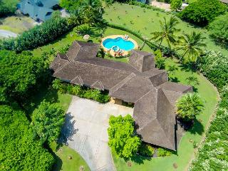 Awesome Custom West Maui view estate in Launiupoko - New York City vacation rentals