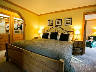 Pikes Peak Mountain Stream 2 Bedroom Jacuzzi Suite - Cascade vacation rentals