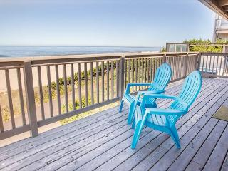 Oceanfront w/Private Beach Access and Hot Tub - Lincoln City vacation rentals