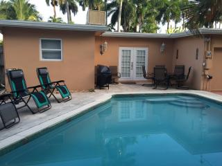 Gorgeous Pool House in Hollywood Lakes - Hollywood vacation rentals