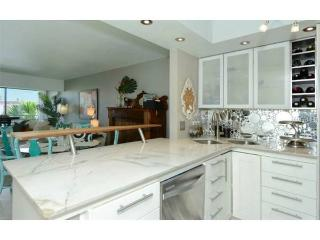 Newly renovated 2/2 w/ private beach access! - Longboat Key vacation rentals