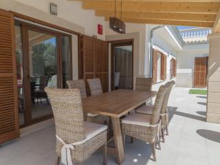 Great villa with HEATED POOL - Lloseta vacation rentals