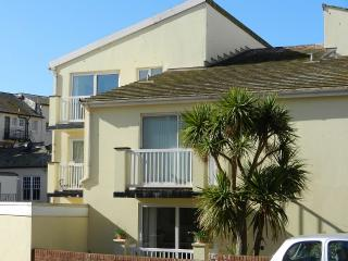 Apartment with parking, balcony and views - Sidmouth vacation rentals