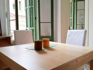 Beautiful Condo with A/C and Satellite Or Cable TV in Barcelona - Barcelona vacation rentals