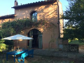 Your own cosy house in Tuscany, with swimming pool - Cerbaia vacation rentals