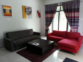 Comfortable 4 bedroom Chukai House with A/C - Chukai vacation rentals