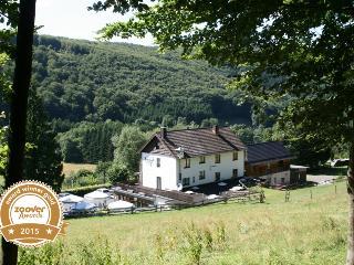 Ferienhaus/Groepsacc. Waldstube im NP Eifel - Simmerath vacation rentals