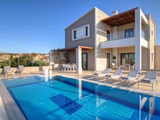 Nice Villa with Housekeeping Included and Television - Prines vacation rentals
