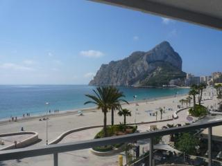 Bright Condo with Parking Space and Balcony - Calpe vacation rentals