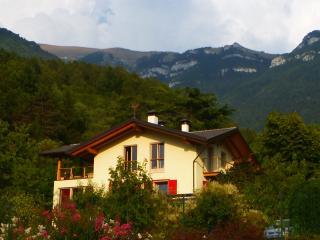 Casa dei sogni, vista Dolomiti, vicino Lago Garda - Cavedine vacation rentals