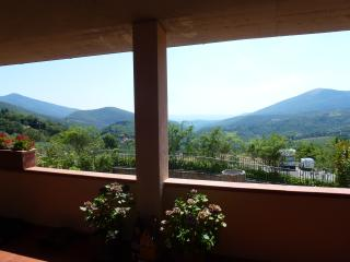 Casa collinare con vista mozzafiato vicino Firenze - Calenzano vacation rentals