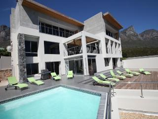 6 bedroom Villa with Private Outdoor Pool in Camps Bay - Camps Bay vacation rentals