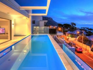 Spacious 5 bedroom Villa in Camps Bay with Private Outdoor Pool - Camps Bay vacation rentals