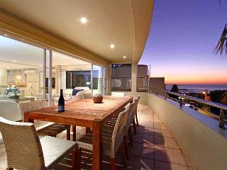 3 bedroom Condo with Private Outdoor Pool in Camps Bay - Camps Bay vacation rentals