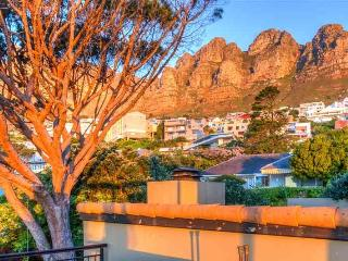 Perfect 4 bedroom Camps Bay Villa with Shared Outdoor Pool - Camps Bay vacation rentals