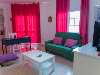 Alquiler apartamento  junto  playa con wifi y TV - Gran Tarajal vacation rentals