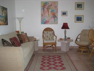 Cozy Condo with Internet Access and A/C - Hollywood vacation rentals