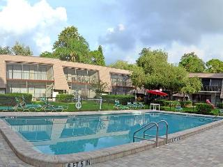 Quiet Comfort tucked away in the lush tropical community of the Meadows - Sarasota vacation rentals