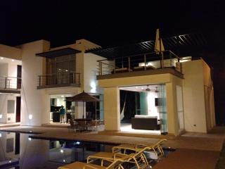 Nice Villa with Sauna and Stove - Girardot vacation rentals