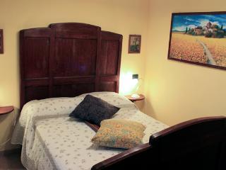 Bright 4 bedroom Orturano di Bagnone House with Satellite Or Cable TV - Orturano di Bagnone vacation rentals
