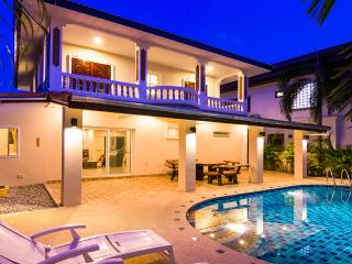 Villa Waree with pool, just 5 minutes from beach - Pattaya vacation rentals