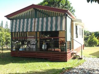 Cairns Gateway B&B Cottage - Gordonvale vacation rentals