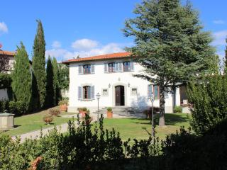 Bright 5 bedroom Vinci House with Internet Access - Vinci vacation rentals