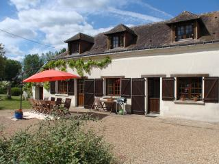 Le Noyer - Loire farmhouse with private pool - Saumur vacation rentals