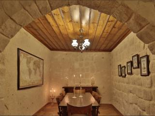 a cave house with happy memories - Ortahisar vacation rentals