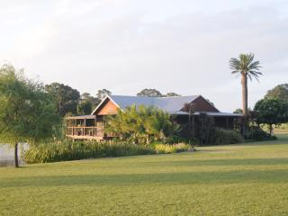 Cozy 2 bedroom House in Lovedale with A/C - Lovedale vacation rentals
