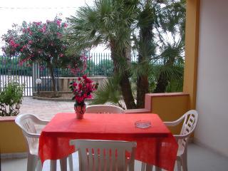 Baiarenella Residence bilocale 2+2  fronte mare - Sciacca vacation rentals