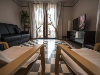 2 bedroom Apartment with Internet Access in Verona - Verona vacation rentals
