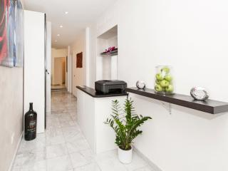 Luxury Aparment 2km away from Colosseo - Rome vacation rentals