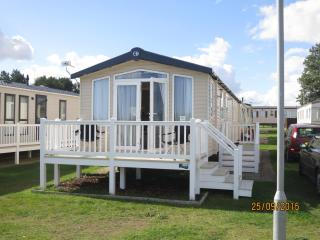 Caister Haven 30042 - Full sea view. - Caister-on-Sea vacation rentals