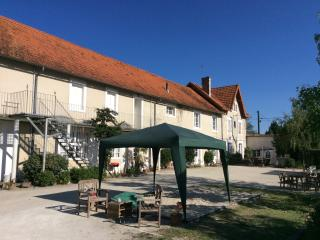 Le Campis - Fabulous apartment, beautiful pool - Brossac vacation rentals