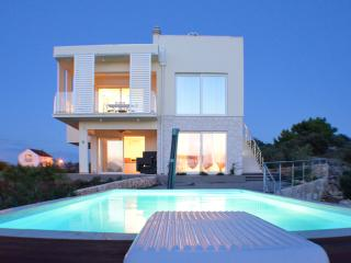 Villa Summer Dreams - two bedroom apartment - Murter vacation rentals