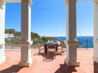 495 Casa Tipica con Vista Mare - Marina di Novaglie vacation rentals