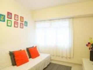 Cozy 2 Bedroom Apartment Near MTR Downtown - Image 1 - Hong Kong - rentals