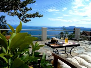 Comfortable Cottage with Deck and Internet Access - Spartilas vacation rentals
