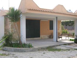 VILLA ROSA IN PIENO RELAX - Noto vacation rentals