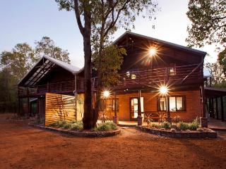 Bright 5 bedroom Margaret River House with Internet Access - Margaret River vacation rentals