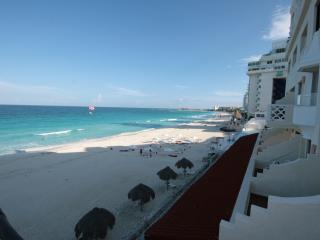 Beautiful Condo 4002, at Cancun Plaza for Rent! - Cancun vacation rentals